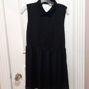 🛍 NWOT lace collar dress